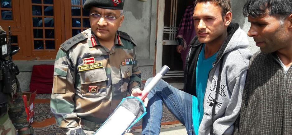 अमर उजाला की खबर का असर, सेना ने क्रिकेटर आमिर की मदद को बढ़ाए हाथ
