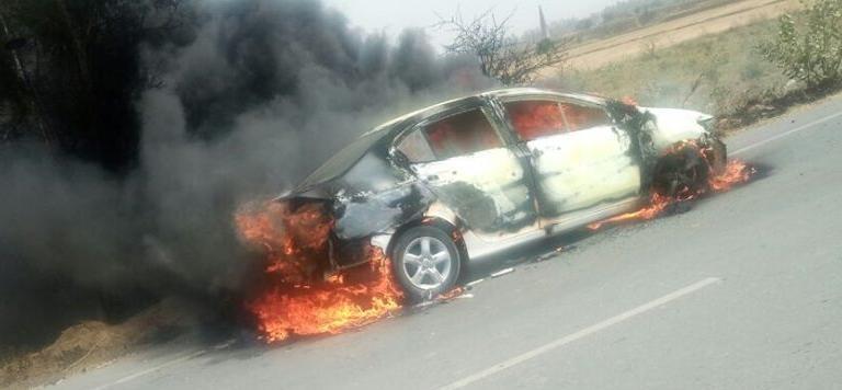 सोनीपत में चलती कार में लगी आग, चालक ने कूदकर जान बचाई