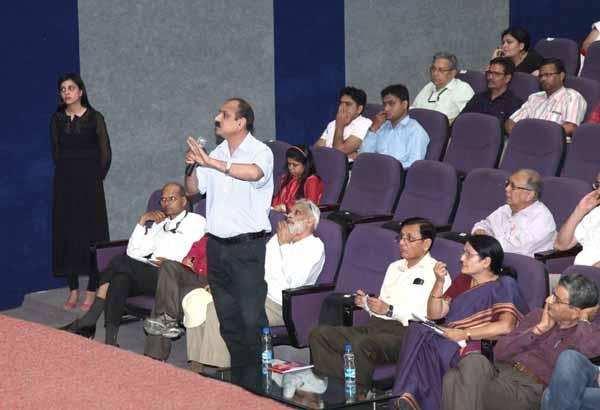 इंजीनियरिंग कॉलेज से यूनिवर्सिटी बनने के लिए रिसर्च का अहम योगदान- डॉ. आर शिवरमन
