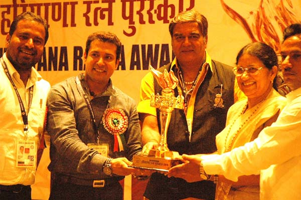 Dr. Aman Bathla Fastest Pianist in the World Is Conferred Haryana Ratna