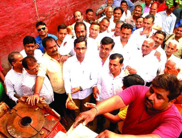 भाजपा जिला महामंत्री देवेन्द्र चौधरी ने दिलवाई पानी की समस्या से निजात