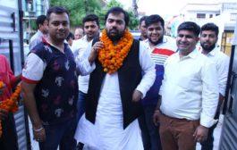 महेश पाहूजा के नेतृत्व सैकड़ों पंजाबी युवाओं ने चिरंजीराव में आस्था दिखाई