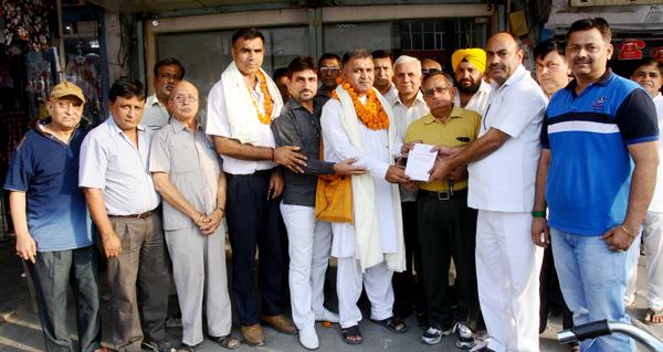 बाबा रामदेव जी के योग दिवस के लिये न्यौता दिया