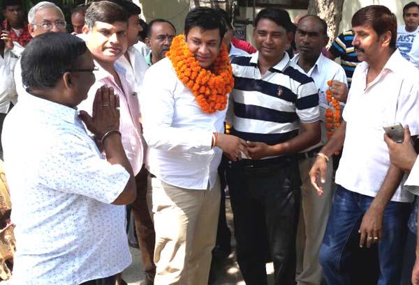 भाजपा नेता अमन गोयल ने किया आरएमसी रोड का बनाने कार्य का शुभारंभ