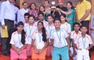 विद्यासागर इंटरनेशनल स्कूल के छात्रों ने रंगोली में भरे तिरंगे के रंग