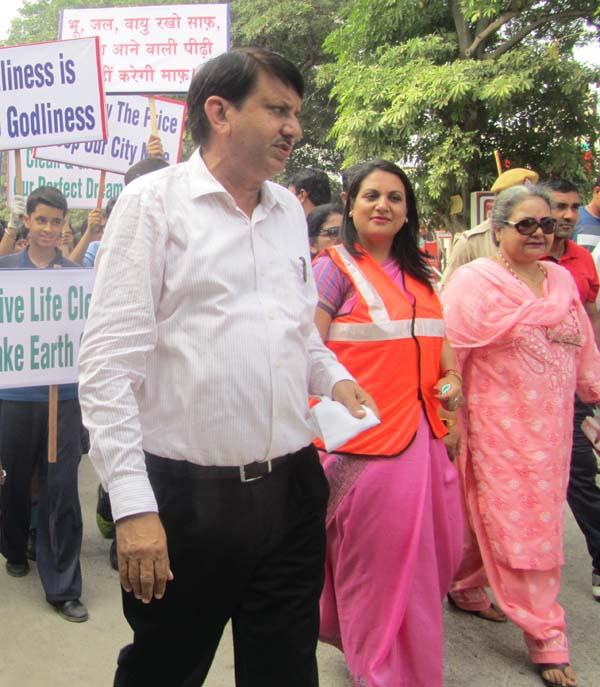गांधी जयंती के अवसर पर निगमायुक्त गोयल ने किया सफाई के प्रति जागरूक
