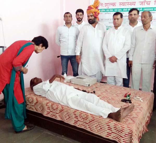 ग्रामीण क्षेत्रों में स्वास्थ्य जांच शिविर लगाना सराहनीय कार्य : राजेश नागर