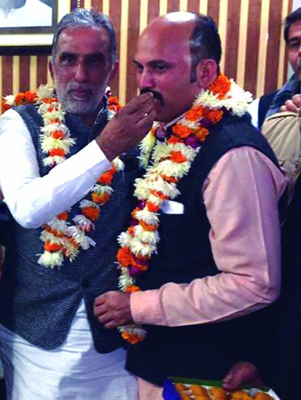 केन्द्रीय राज्यमंत्री कृष्णपाल गूर्जर ने दिया ओमप्रकाश गौड को आर्शीवाद