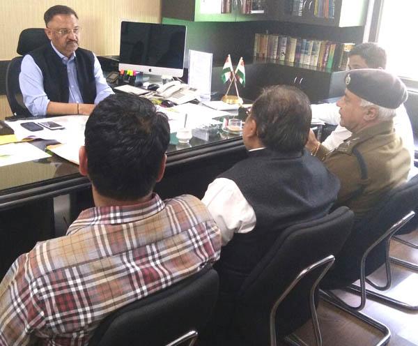डीसी समीरपाल की अध्यक्षता में बैठक का आयोजन