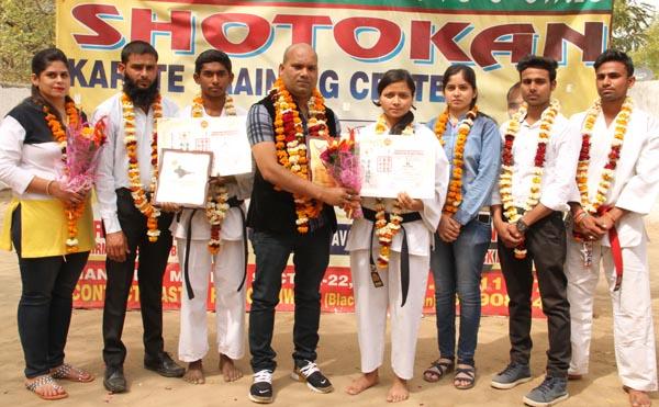 रावल इंटरनॅशनल स्कूल की गीता ने ब्लैक बेल्ट पर जमाया कब्जा