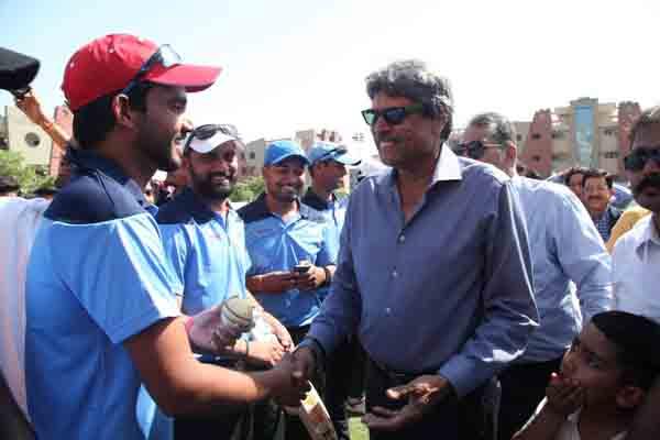 क्रिकेटर कपिल देव ने किया मानव रचना कॉरपोरेट क्रिकेट मैच का उद्घाटन