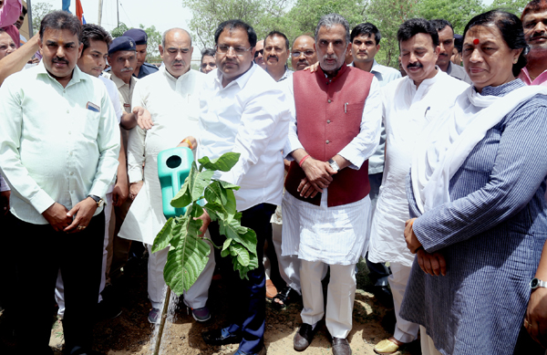 पर्यावरण दिवस पर पर्यावरण मंत्री विपुल गोयल ने नगर निगम को दिया बड़ा तोहफा