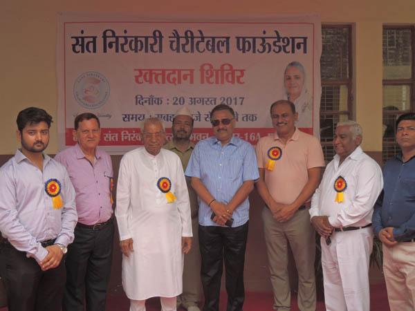 संत निरंकारी चैरिटेबल फाउंडेशन के तत्वधान में  एक रक्त्दान शिविर का आयोजन