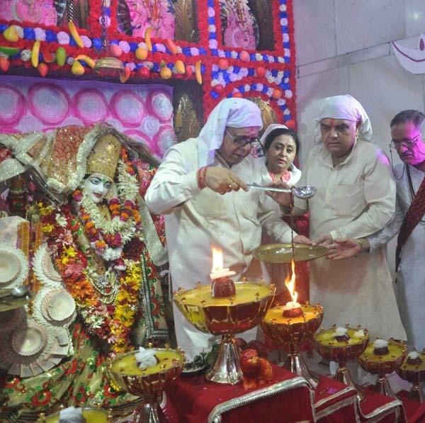 वैष्णोदेवी मंदिर में धूमधाम से शुरू हुई नवरात्रों की रौनक