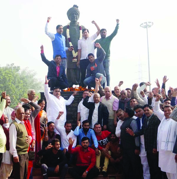 युगपर्वतक, गांधीवादी व किसानों-मजदूरों के मसीहा थे स्व. रणवीर हुड्डा : लखन सिंगला