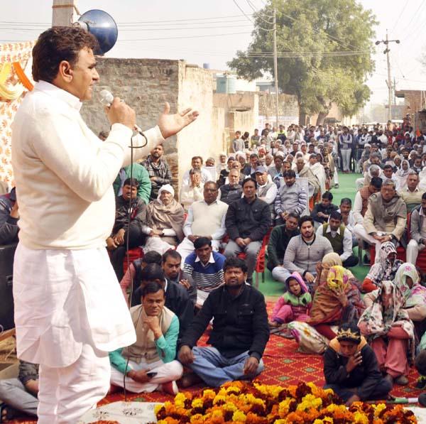 भाजपा की झूठ की पोटली का चुनावों में जवाब देगी क्षेत्र की जनता : ललित नागर