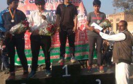 पन्हैडा कलां की बेटी कुमकुम ने रेसलिंग में जीता सिल्वर मैडल