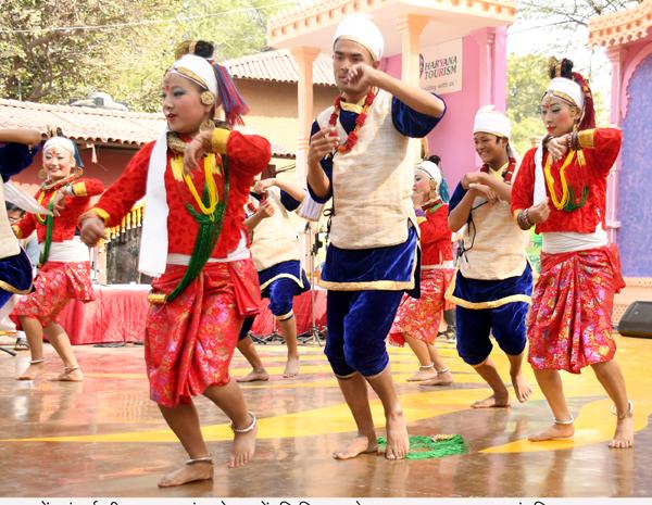 सूरजकुंड मेले में रंगा-रंग सांस्कृतिक कार्यक्रम का आयोजन