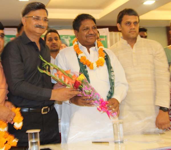 Ex BJP media spoke person joind inlo