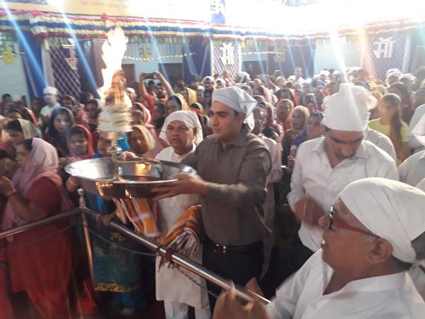 वैष्णोदेवी मंदिर में नवरात्रों के दूसरे दिन की गई मां ब्रहमचारिणी की पूजा