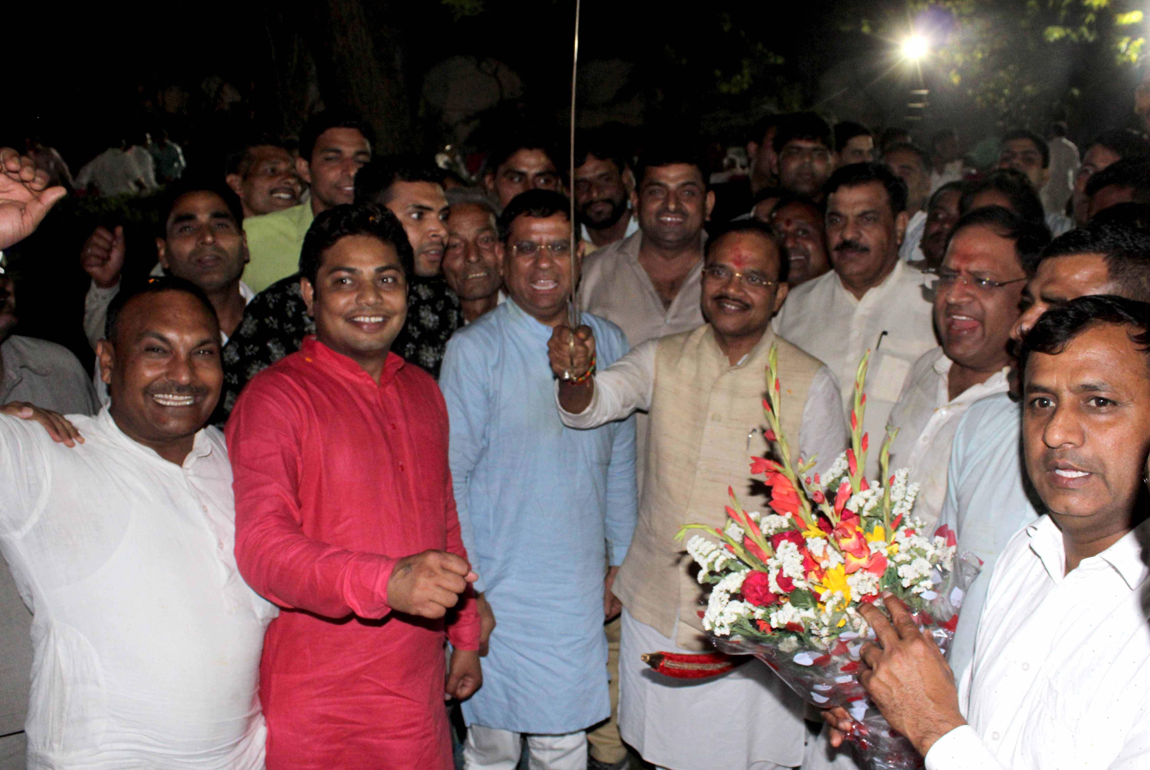 तिगांव पहुंचने पर भाजपा नेता राजेश नागर ने किया राज्यसभा सांसद का भव्य स्वागत