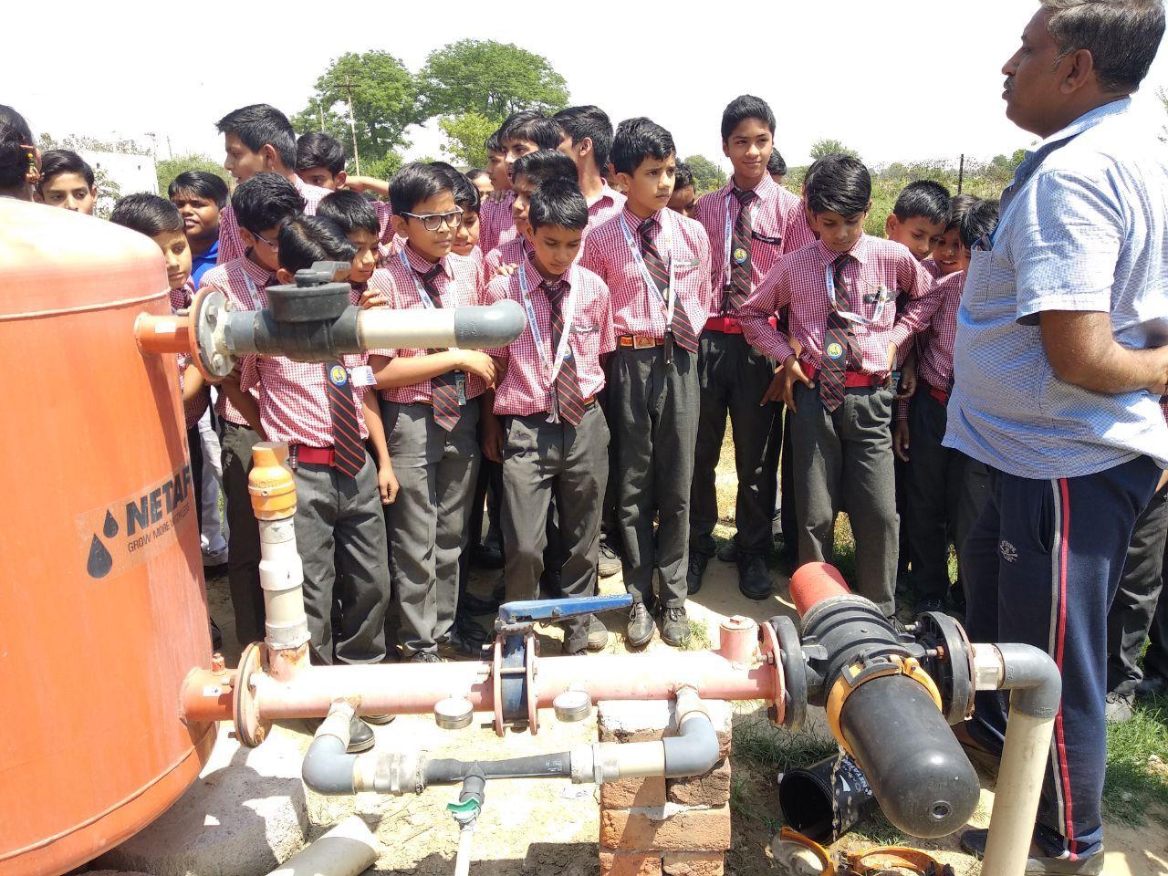विद्यासागर इंटरनेशनल स्कूल के छात्रों ने ली नई तकनीकों की जानकारी