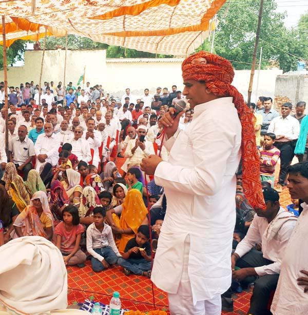 केंद्रीय मंत्री का दलितों के घर भोजन करना मात्र ढकोसला : ललित नागर