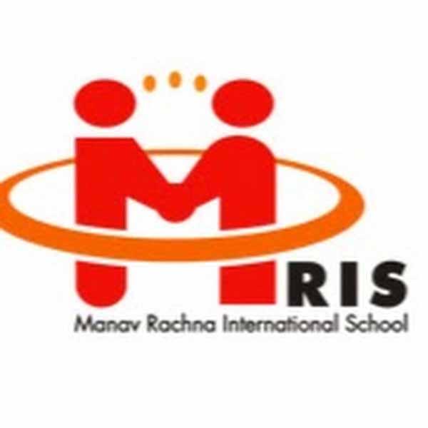 MR इंटरनेशल स्कूल की छात्राओं ने मारी बाजी, 100 प्रतिशत रहा रिजल्ट