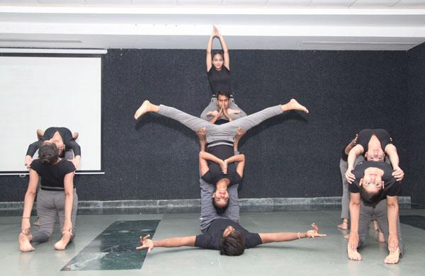 मानव रचना शैक्षणिक संस्थान में मनाया गया चौथा योग दिवस