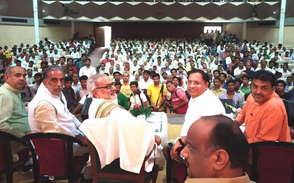 ओडिशा के राज्यपाल प्रोफेसर गणेशी लाल का किया गया भव्य स्वागत