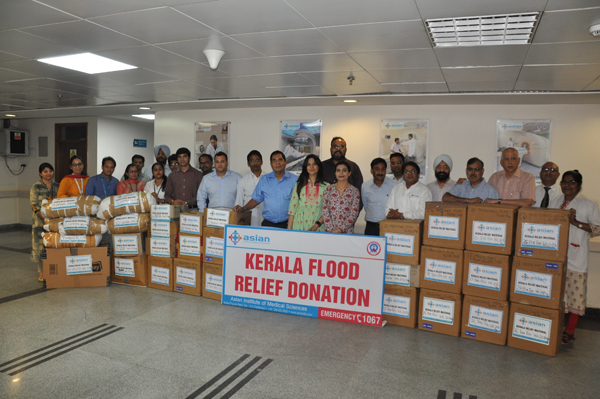 एशियन अस्पताल ने पहुंचाई बाढ़ पीड़ितों को मदद