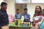 उद्योगपति एचके बत्रा द्वारा दी गई खाद्य सामग्री के ट्रकों को हरी झंडी दिखाकर किया रवाना