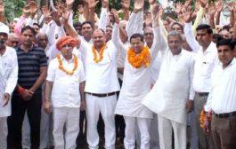 भाजपा नेता राजेश नागर ने सुना ग्रामीणों की समस्याओ को