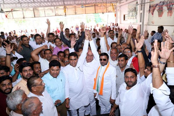 विधायक ललित नागर के आह्वान पर अवतार भड़ाना के पक्ष में लामबंद हुई चौरासीपाल
