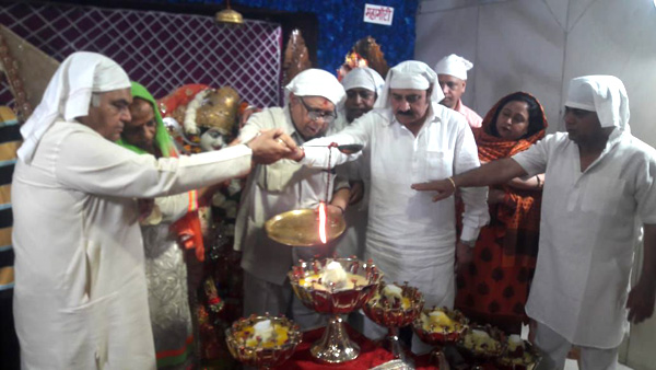 नवरात्रों के प्रथम दिन मां वैष्णोदेवी मंदिर में हुई मां शैलपुत्री की भव्य पूजा