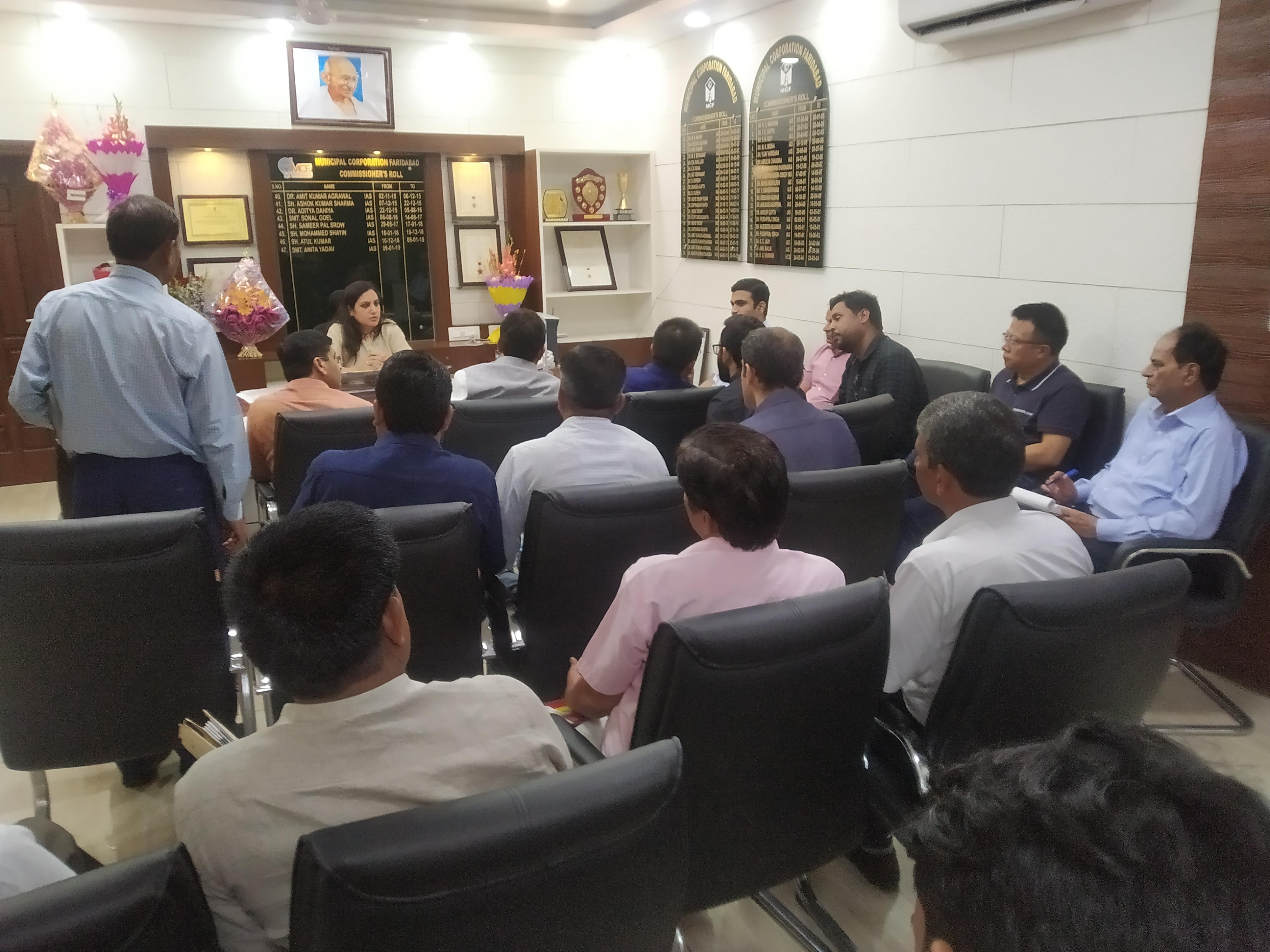 निगमायुक्त सोनल गोयल ने ली अधिकारियो की मीटिंग