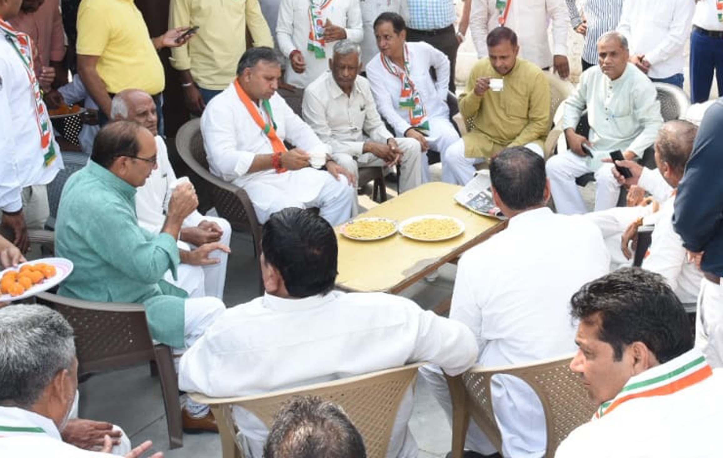 बडख़ल विधानसभा के विकास और भविष्य को ध्यान में रखते हुए वोट दे: विजय प्रताप सिंह