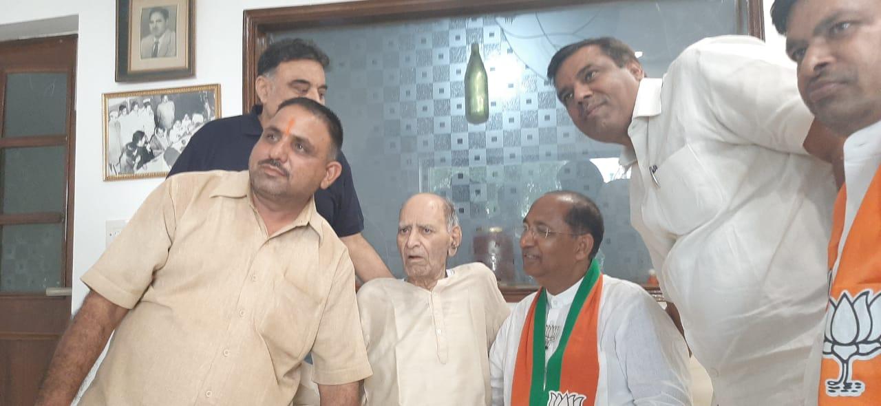 भाजपा उम्मीदवार नरेन्द्र गुप्ता को समर्थन देने वालों का लगा तांता
