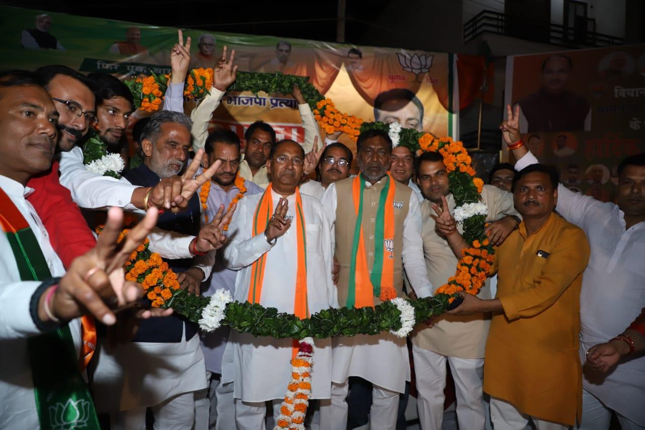 नहर पार हुआ भाजपा उम्मीदवार नरेंद्र गुप्ता का जोरदार स्वागत